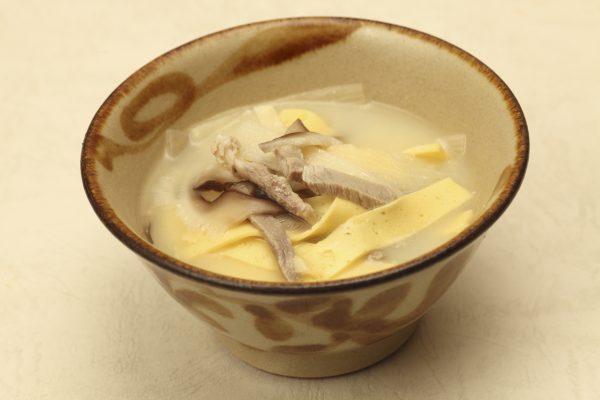 sweet white miso soup (inamuduchi)